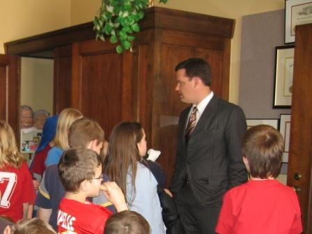 Attorney General Jon Bruning discusses internet safety with elementary school students.